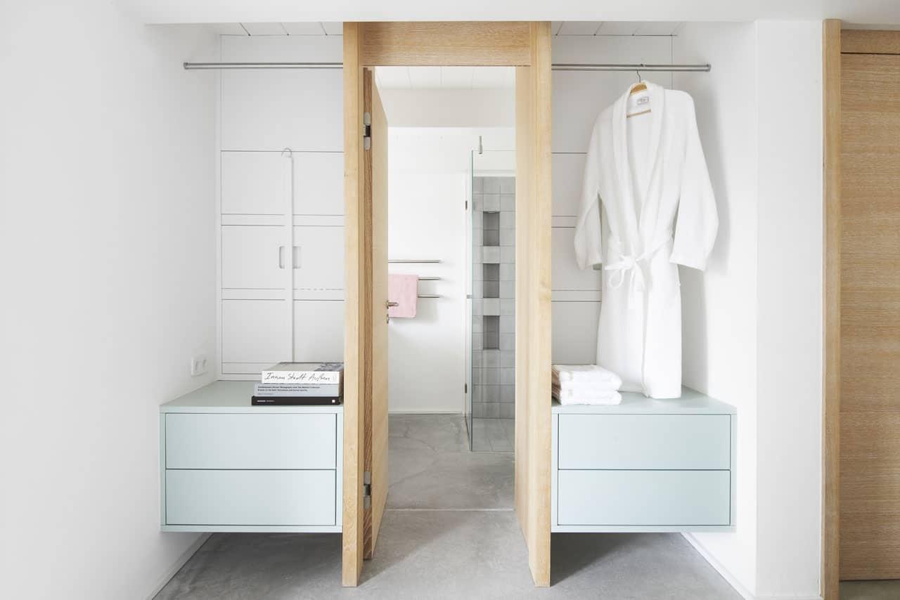 Ferienhaus-Steuermann-West-En-Suite-Bad-Schlafzimmer-im-Erdgeschoss