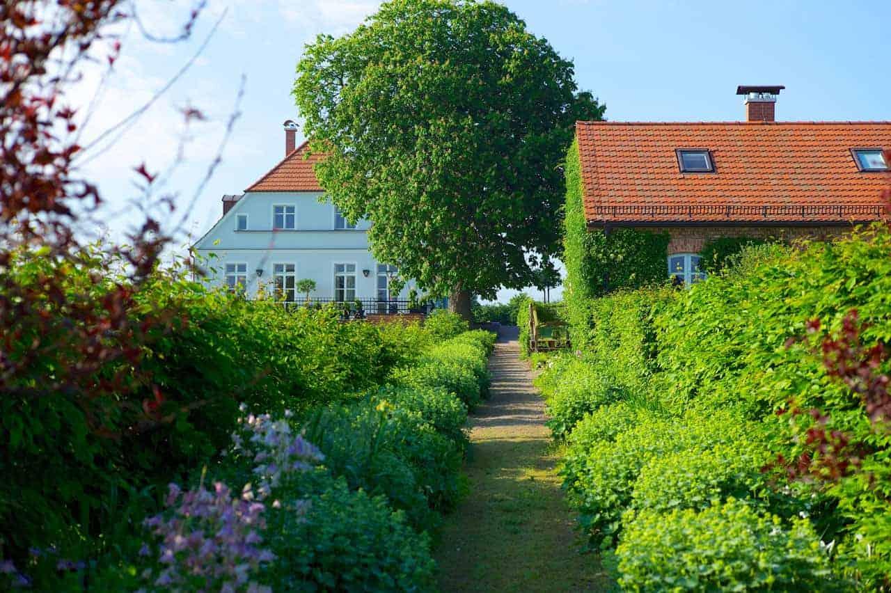 Häuser-Weg