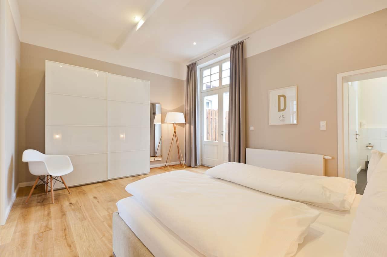 Apartment 1b