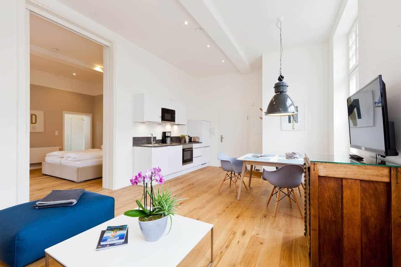 Apartment 1f